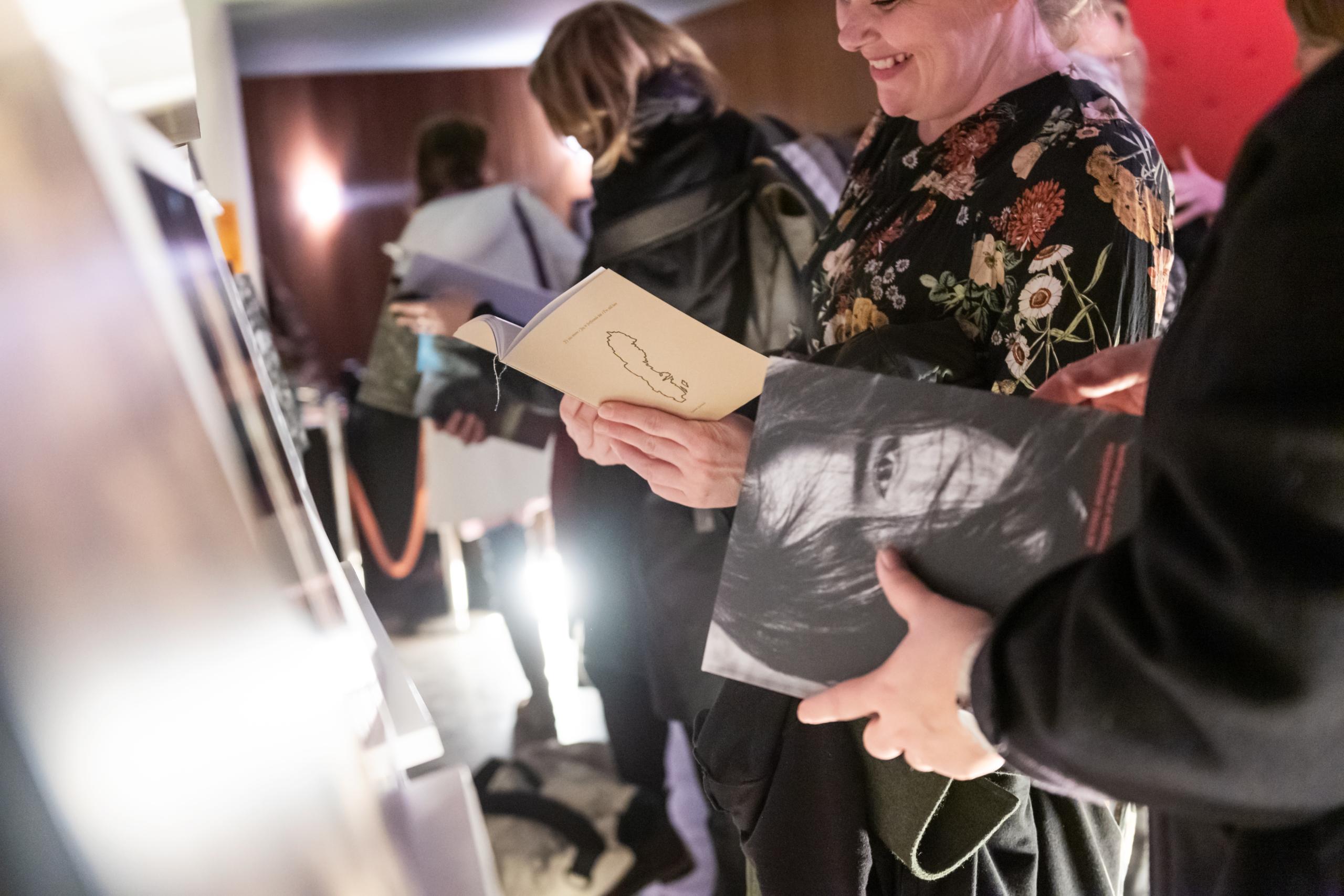Svenska Fotoboksprisets vandringsutställning