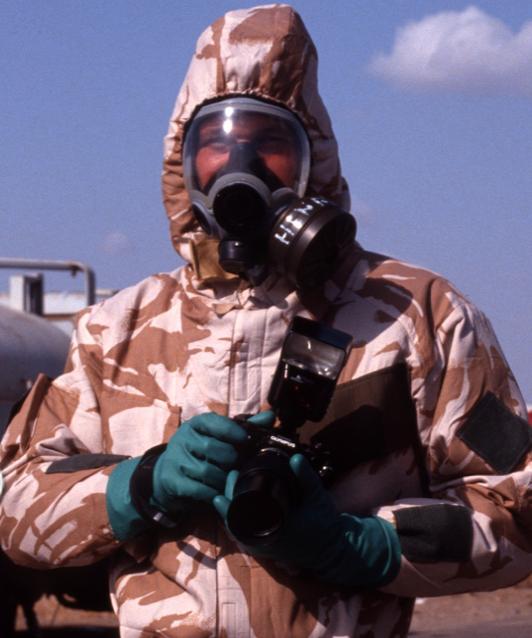 Henry Arvidsson vid kärnvapenfabriken i Muthanna där Irak sägs producera kärnvapen. År: . Foto: Privat.